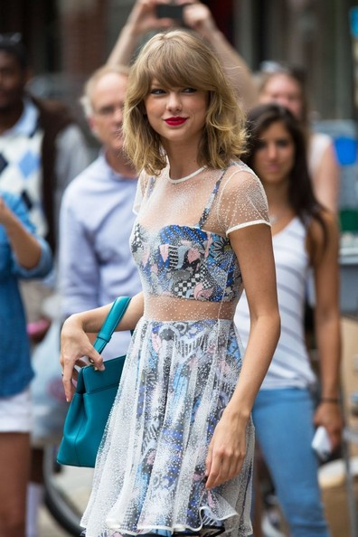 SHE'S A STANDOUT — Taylor Swift's Novis Dress (Almost) Makes Us Wish Summer Would Never Go Away
