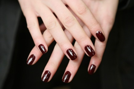 THE GUIDE — Fall's Most Fashion-Forward Nail Trends