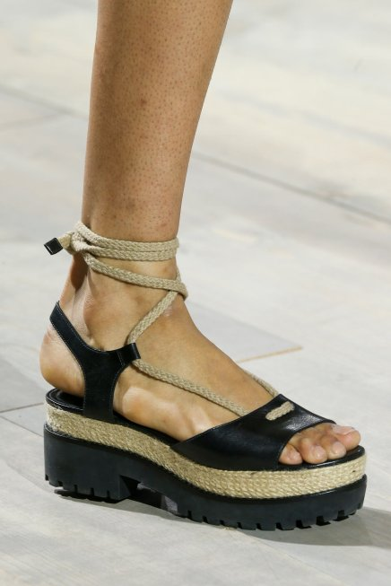 How to Get Sandal-Ready Feet Without Having to Leave Your Apartment